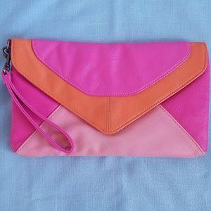 Handbags - Envelope Clutch / Wristlet